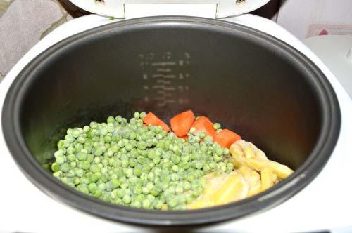Шаг 1. Гороховый суп-пюре из зеленого горошка в мультиварке