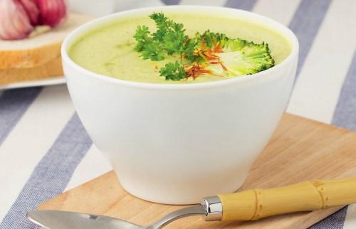 Гороховый суп-пюре из зеленого горошка в мультиварке
